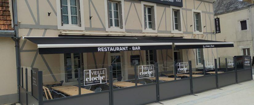 Aménagement extérieur Restaurant La Vieille Cloche